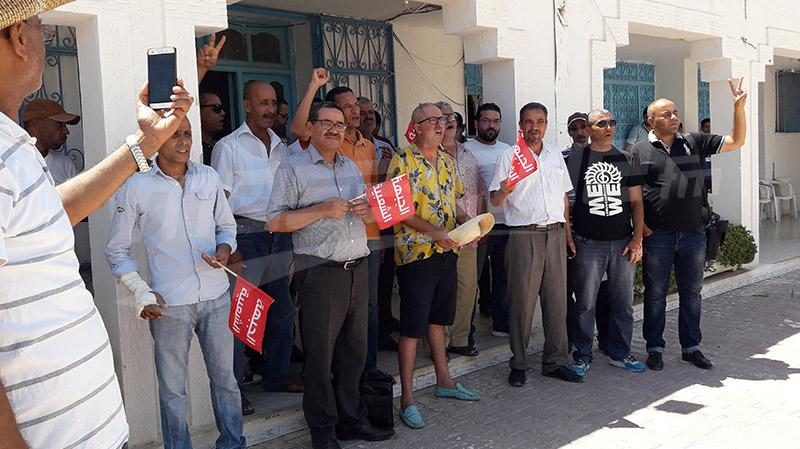 سيدي بوزيد:ممثلو وأنصارقائمة الجبهة الشعبية الانتخابية يحتجون ويعتصمون