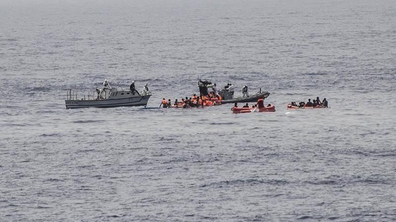 البحرية الليبية تنقذ 75 مهاجرا غربي طرابلس