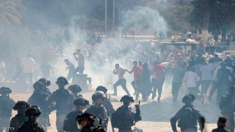 جيش الاحتلال يقتحم باحات الأقصى بعد صلاة العيد