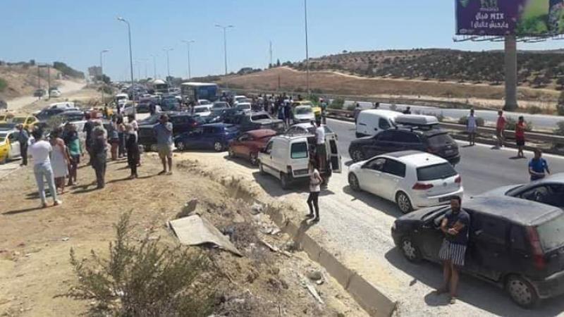 غلق طريق تونس بنزرت: أغلب المحتجين من النساء والأطفال