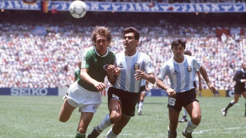 الأرجنتين تُودّع أحد أبطالها