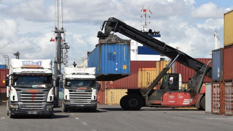صادرات الجزائر نحو تونس فاقت الـ 600 مليون دولار