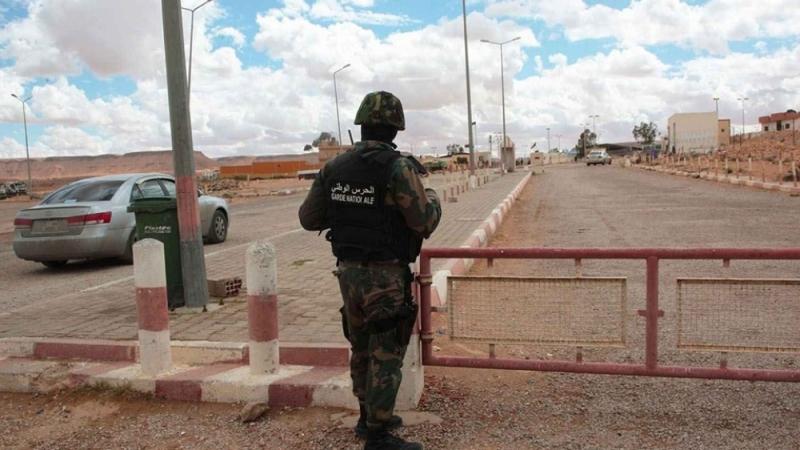 ضبط عائلة سودانية بصدد اجتياز الحدود البرية خلسة