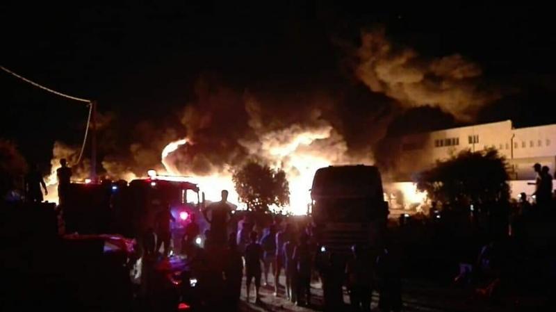 نابل: حريق هائل بمصنعللبلاستيك متاخم لمنطقة سكنية