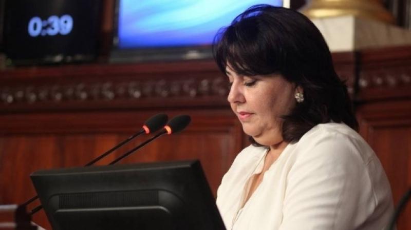 انضمت مؤخرا لحزب البديل:فوزية بن فضة توضّح تزكيتها لسليم الرياحي