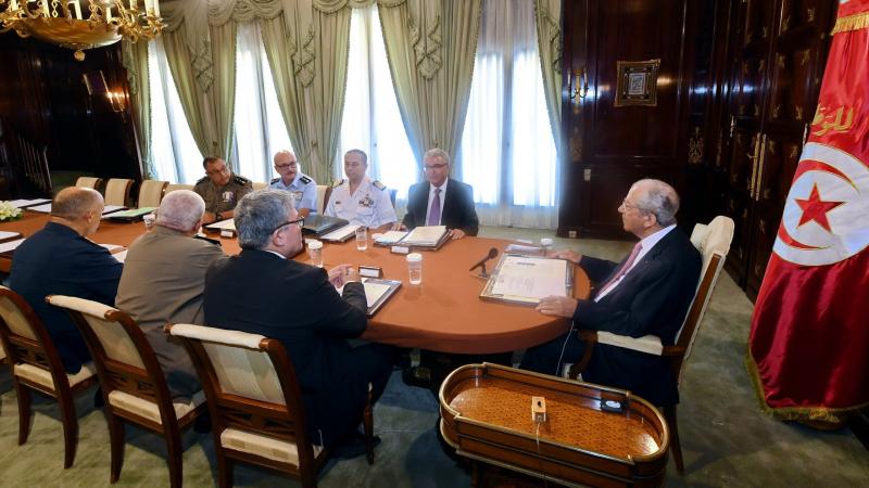 """الزبيدي """"المستقيل"""" حاضر في اجتماع المجلس الأعلى للجيوش؟"""