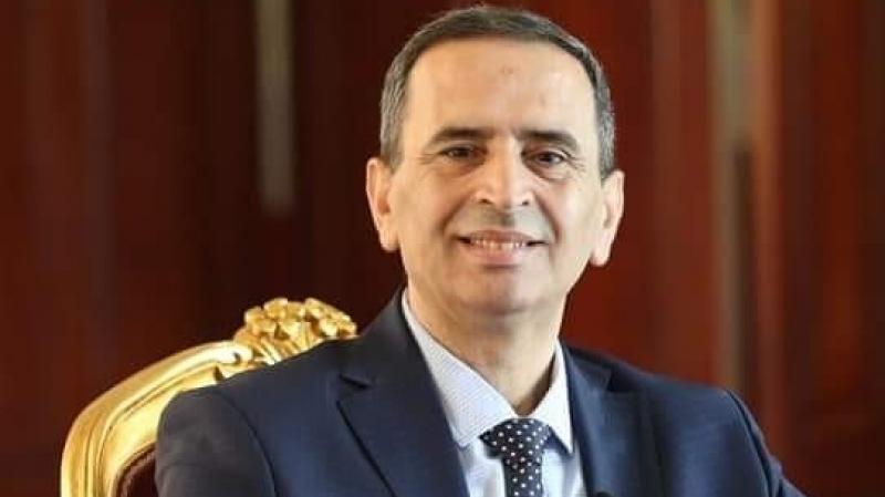 نائب يقدّم شكاية جزائية ضد مترشح للرئاسة بتهمة التزوير