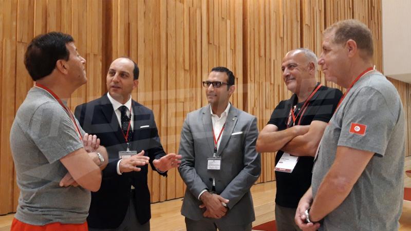 سفير تونس في اليابان يزور منتخب السلة