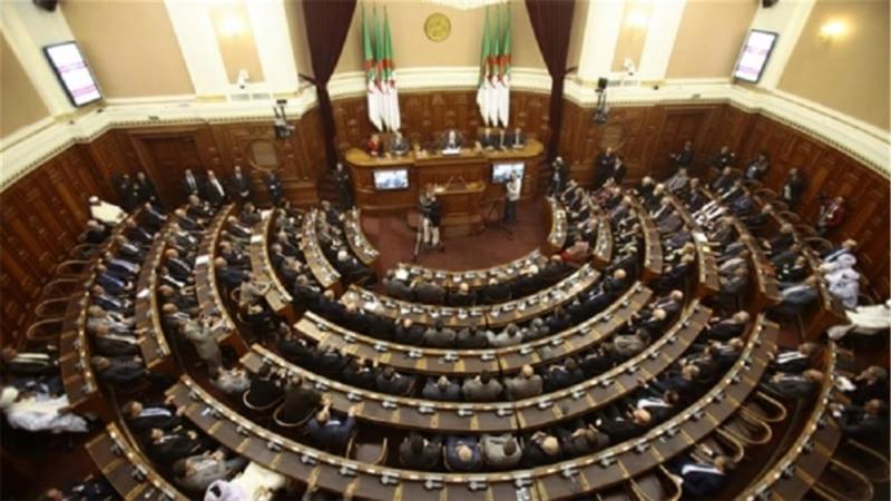الجزائر: الشروع في مقاضاة أكثر البرلمانيين ثراء