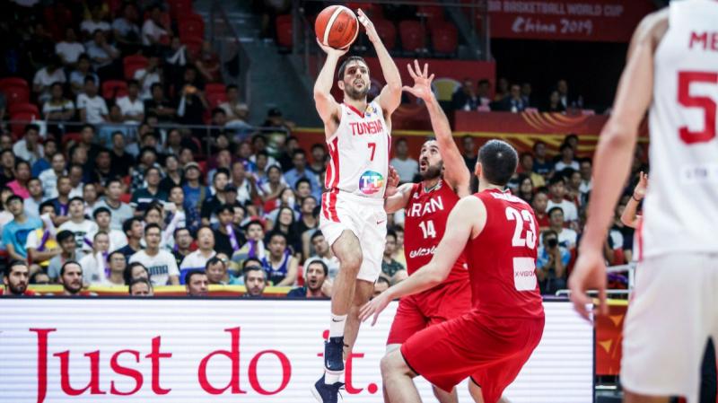 رئيس جامعة كرة السلة: 'منتخبنا معجزة وأعتذر..'