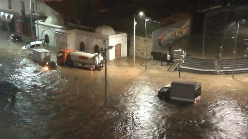 الجزائر العاصمة تغرق