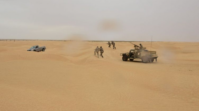 رمادة: الجيش يلقي القبض على ثلاثة مهربين