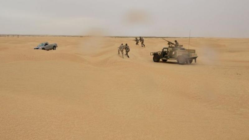 الجيش يوقف مهرّبا رابعا برمادة ويحجز طائرة دون طيار