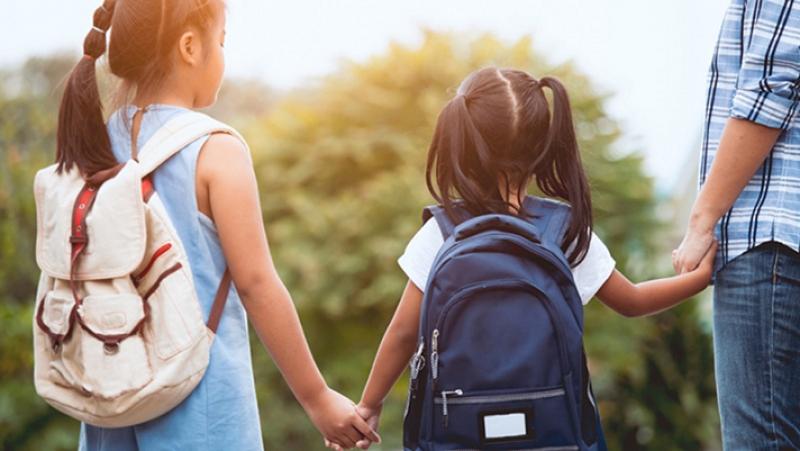 حملة تحسيسية حول السلامة المرورية قرب المدارس