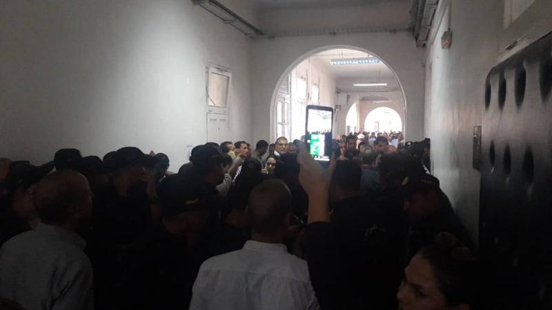 إحتقان وعنف داخل المحكمة الإبتدائية تونس 1 !