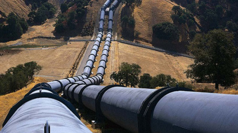 التمديد في عقد أنبوب الغاز بين الجزائر وأوروبا عبر تونس