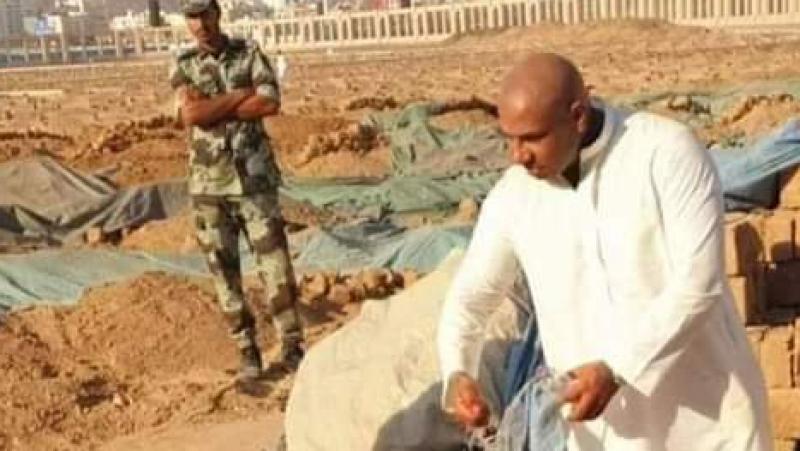 كادوريم ينشر صورة قبر بن علي