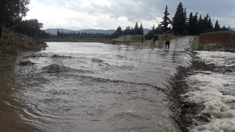 سليانة : انقطاع الطريق الوطنية عدد 18 جراء فيضان وادي تاسة