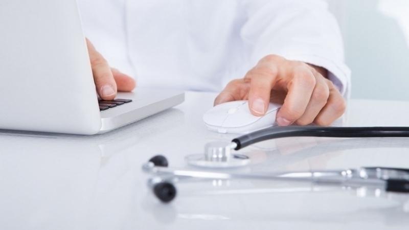 وزارة الصحة تنتدب أطباء وصيادلة واختصاصات مختلفة
