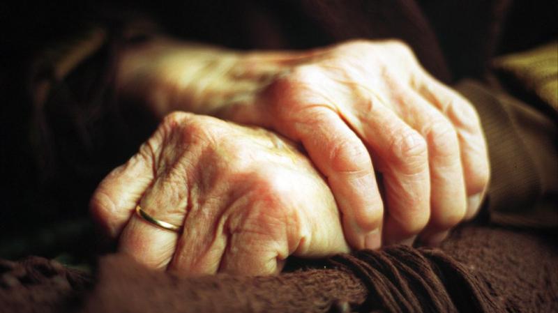 المهدية: قاضي تحقيق يعتدي بالعنف الشديد على إمرأة مسنة!