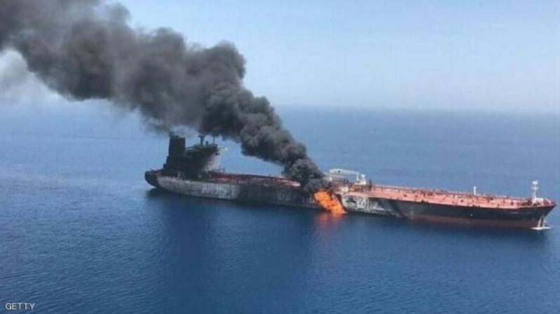إنفجار في ناقلة إيرانية في عرض البحر الأحمر