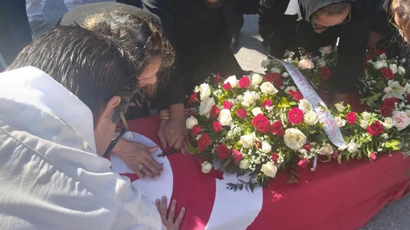 جثمان الفقيد شوقي الماجري يصل تونس