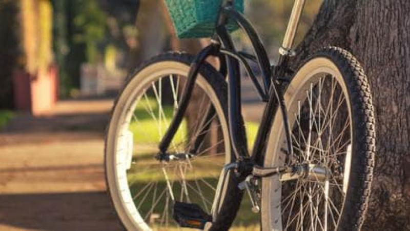 سرقوا مقعد دراجته.. فانتقم بـ'طريقة غريبة' !