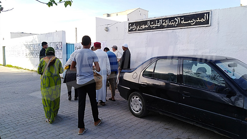 مراكز الاقتراع تفتح أبوابها أمام الناخبين