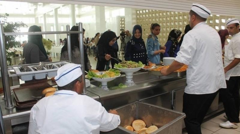 حاتم بن سالم:غياب مطاعم مدرسية من أسباب الانقطاع المدرسي