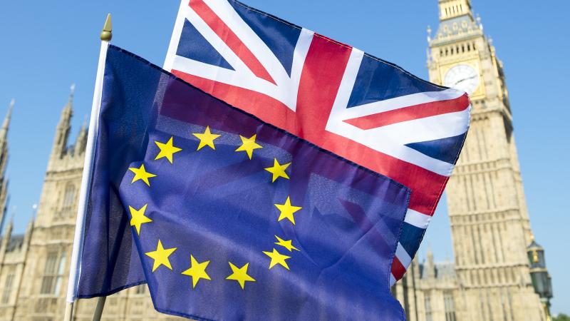 بريطانيا والإتحاد الأوروبي يتوصلان إلى اتفاق جديد حول بريكسيت