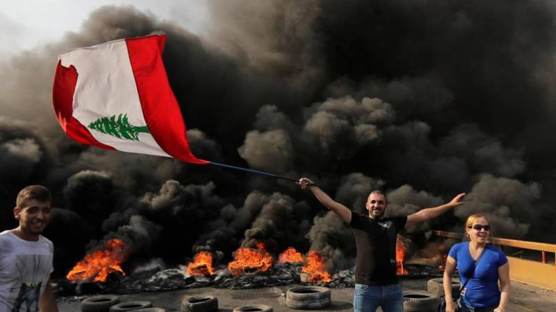 تظاهرات لبنان: محتجون يدعون إلى 'يوم الحسم'