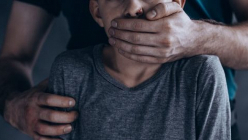 مأساة طفل في صفاقس: من جحيم عائلته إلى قبضة وحش آدمي