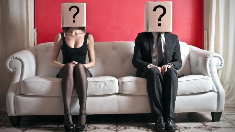 من الأكثر فكاهة ومرحا.. الرجال أم النساء؟