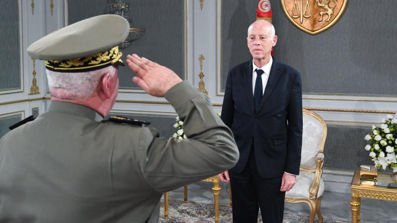 رئيس الجمهورية يلتقي مدير عام وكالة الإستخبارات والأمن والدفاع