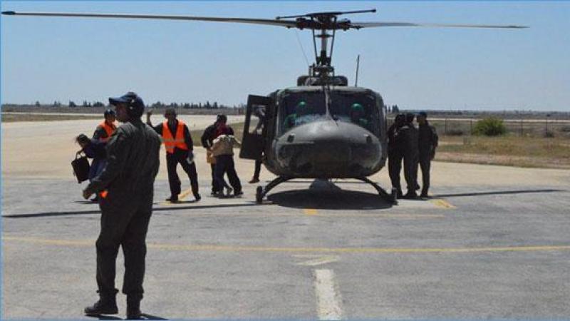 الجموسي يتفقد جاهزية الوحدات الجوية في القاعدة العسركية بقابس