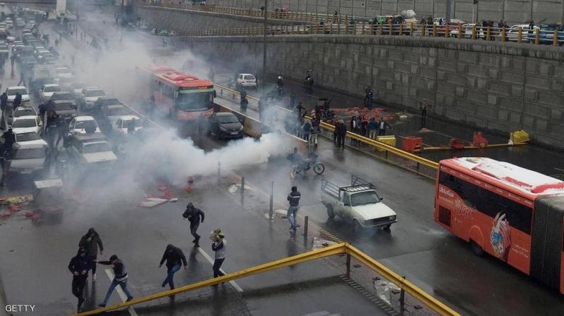 إيران: الأمن يستعمل يتصدى لمظاهرات بالرصاص