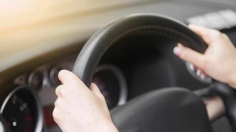 دراسة جديدة: النساء هُنّ الأفضل في قيادة السيارات