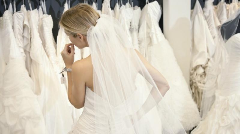 فستان الزفاف.. لماذا عرفه العالم باللون الأبيض؟