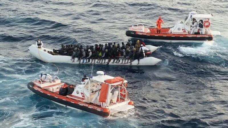 العثور على جثث سبعة مهاجرين قبالة السواحل الإيطالية