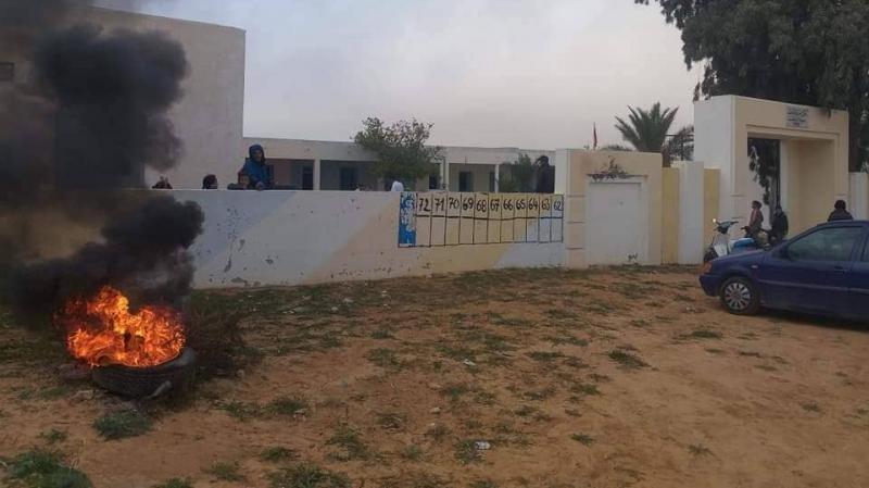 أولاد حفوز: أولياء يمنعون أبناءهم من اجتياز امتحانات الثلاثي الأول