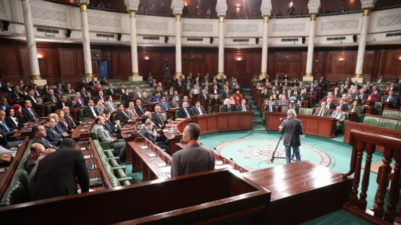 Photo of النواب يرفضون توظيف معلوم على السياح لدى دخولهم تونس