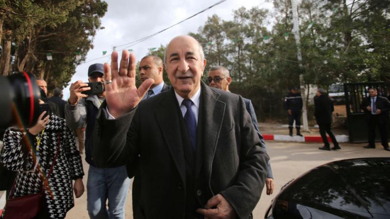 الرئيس الجزائري المنتخب يتعهد بدستور جديد يطرح على استفتاء شعبي