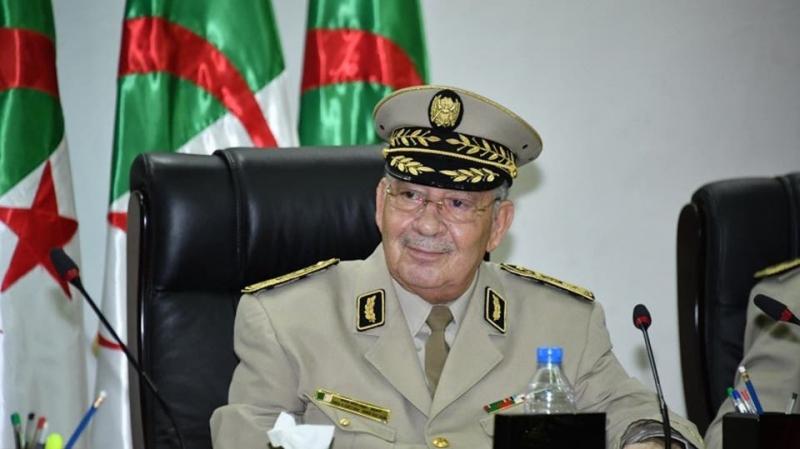 قيادة الجيش الجزائري تؤكد دعمها الكامل للرئيس الجديد