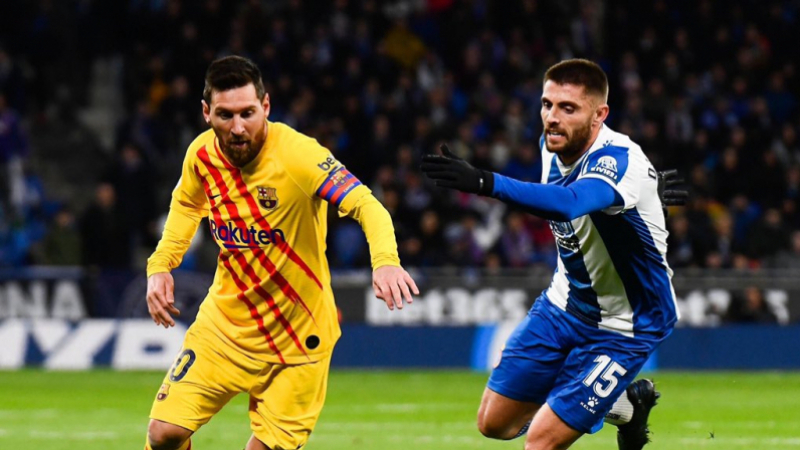 بطولة إسبانيا: برشلونة يتعادل مع اسبانيول وريال مدريد يشاركه الصدارة