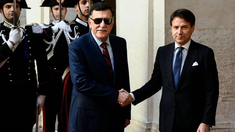 السراج يجتمع مع رئيس الوزراء الإيطالي
