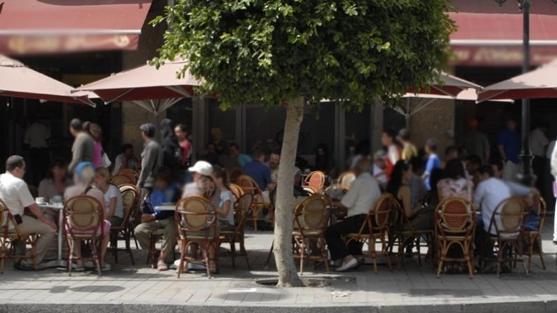 الدفاع عن المستهلك تستهجن قرار المقاهي الجديد