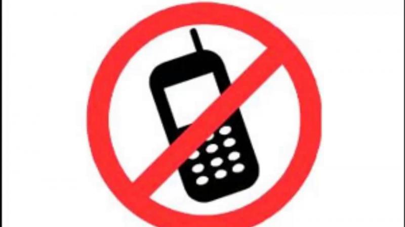 الهاتف الجوال ممنوع في المستشفيات الجزائرية