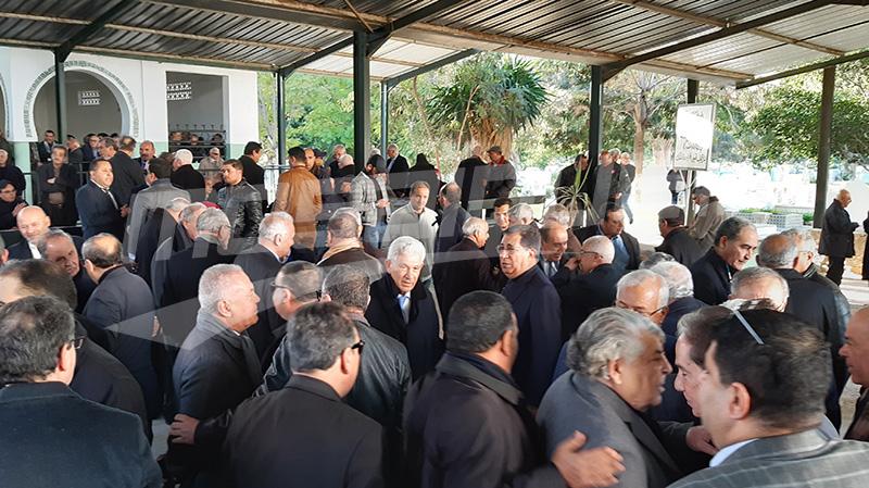 تشييع جثمان الوزير الأول الأسبق الهادي بكوش
