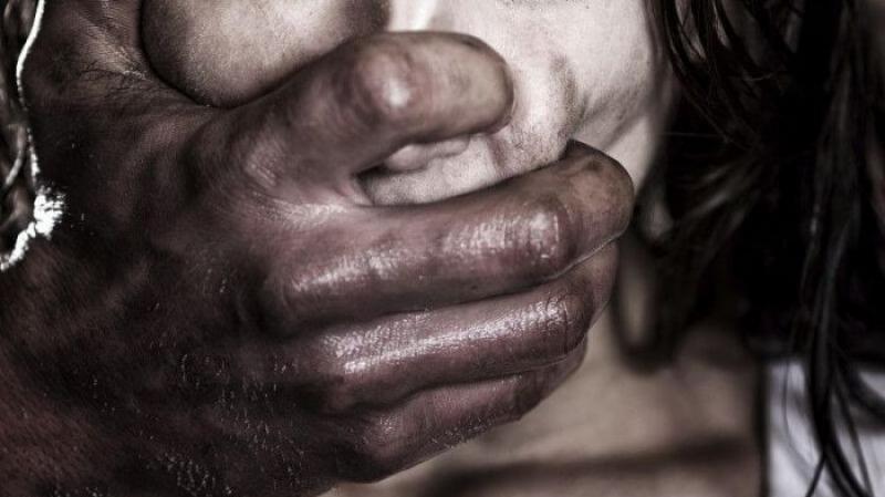 إغتصاب مراهقة جماعيا لمدة أسابيع في المغرب..
