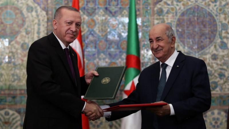 إتفاق جزائري تركي على تحقيق السلم في ليبيا